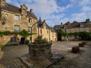 Place de l'église - Crédit photo: Bernard Galéron